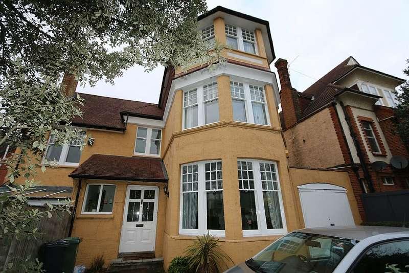 6 Bedrooms Detached House for sale in 31, Ambleside Avenue, London, London, SW16 1QE