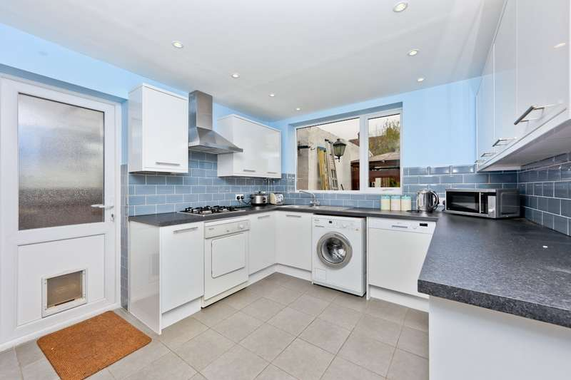 4 Bedrooms Semi Detached House for sale in Chestnut Avenue, West Wickham, BR4