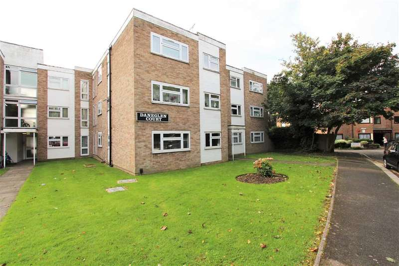 3 Bedrooms Apartment Flat for sale in Daneglen Court, London Road, Stanmore