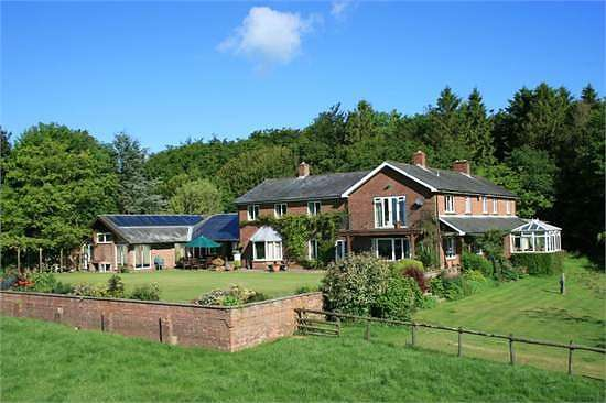 6 Bedrooms Detached House for rent in Blandford