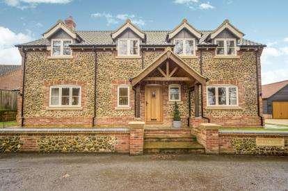4 Bedrooms Detached House for sale in Holme Hale, Norfolk