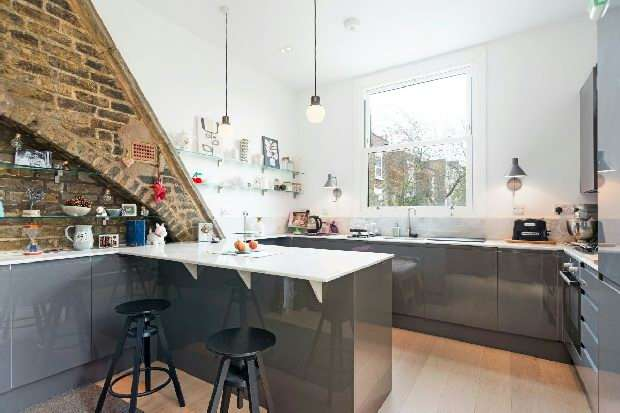 2 Bedrooms Flat for sale in Kilburn High Road, Kilburn, NW6