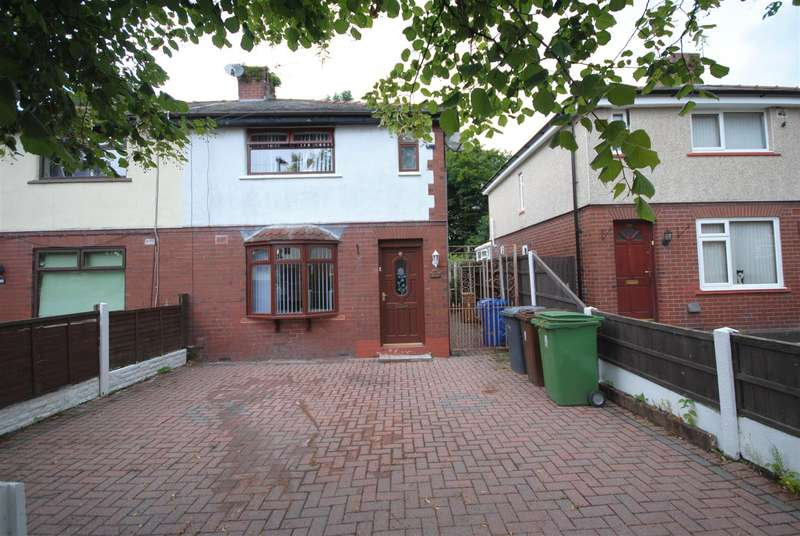 3 Bedrooms Semi Detached House for rent in Chestnut Road, Wigan