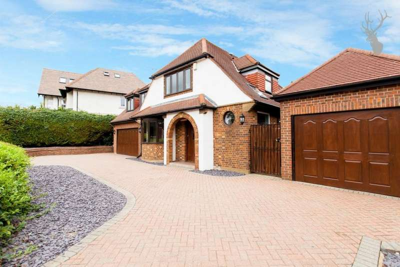 4 Bedrooms Detached House for sale in Coppice Row, Theydon Bois, CM16