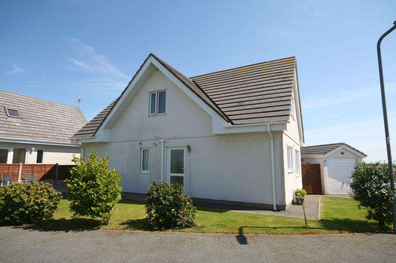 3 Bedrooms Detached House for sale in Rhydwyn, Anglesey