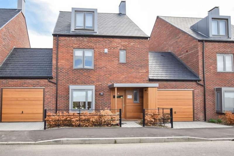 4 Bedrooms Link Detached House for sale in Charger Road, Trumpington