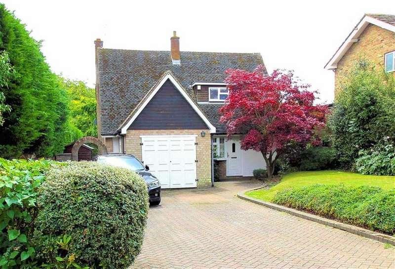 3 Bedrooms Detached House for sale in Park Lane, Knebworth SG3 6PD