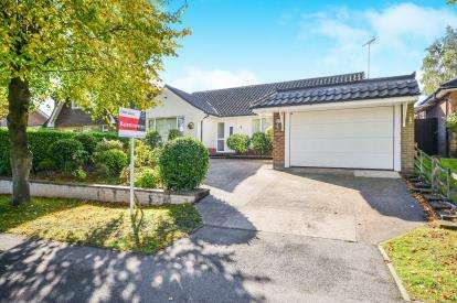 3 Bedrooms Bungalow for sale in Highland Road, Mansfield, Nottinghamshire