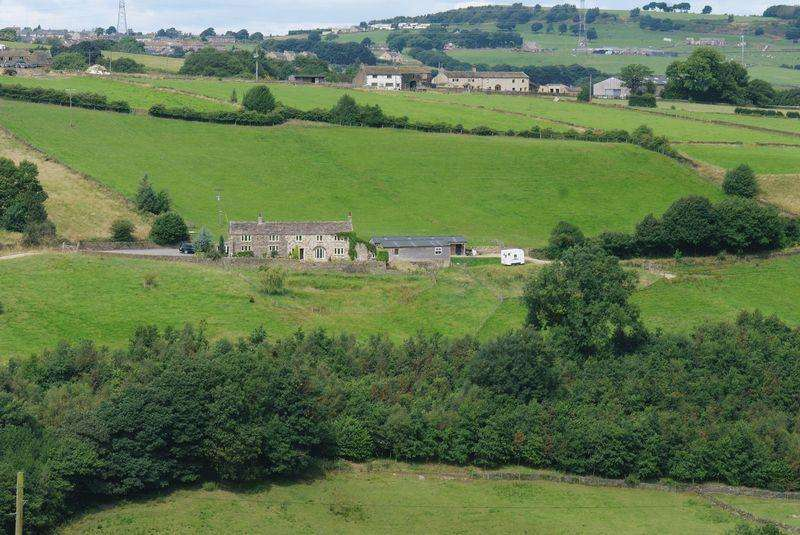 4 Bedrooms Detached House for sale in Crow Wood Farm, Crow Wood Lane, Stainland Dean, HX4 9QH