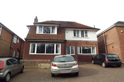 6 Bedrooms House for rent in Burgess Road, Bassett