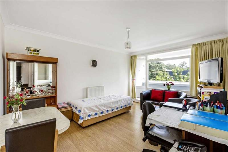 1 Bedroom Flat for sale in Holmsly House, London, London