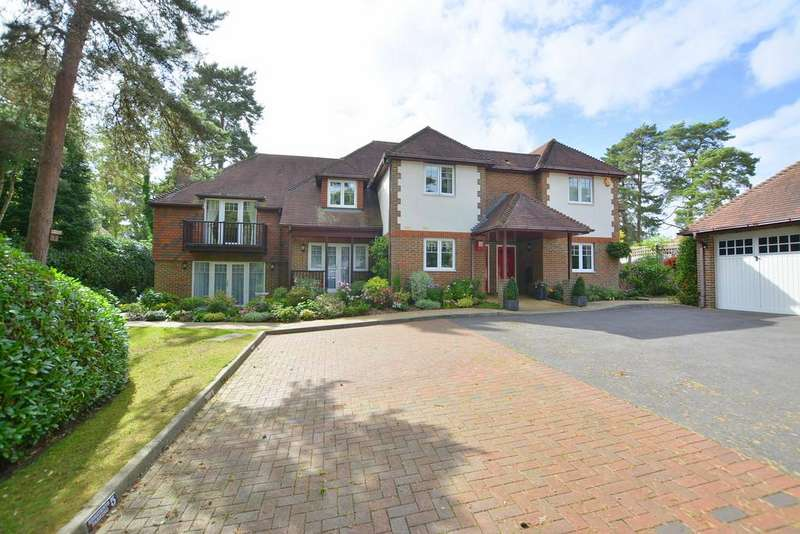 3 Bedrooms Apartment Flat for sale in Golf Links Road, Ferndown