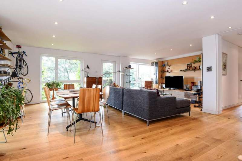 3 Bedrooms Flat for sale in Belvedere Drive, Wimbledon