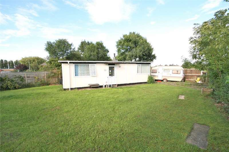 2 Bedrooms Detached Bungalow for sale in Torksey Drive, Grimsby, DN33