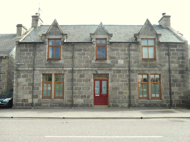 3 Bedrooms Detached House for sale in High Street, Kingussie, PH21 1HY