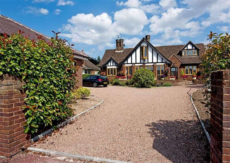 5 Bedrooms Detached House for sale in White Hayes Cottage, Shaw Lane, Albrighton, Wolverhampton, Shropshire, WV7