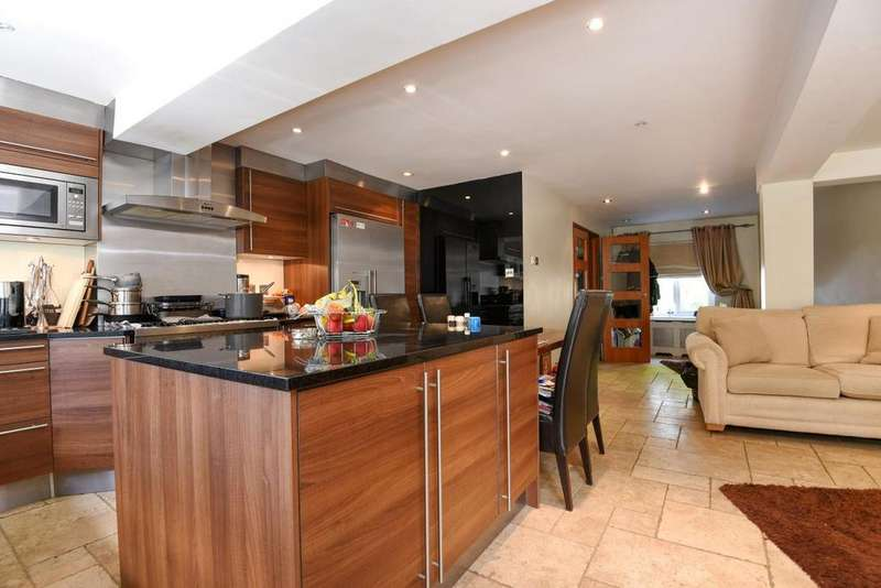 3 Bedrooms Terraced House for sale in Greenacre Square, Surrey Quays