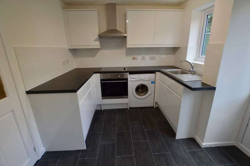 2 Bedrooms Semi Detached House for rent in Bosworth Close, Bletchley