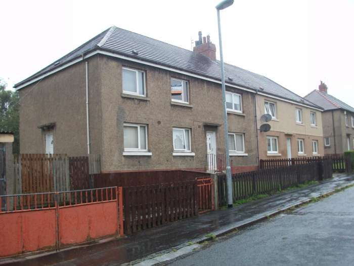 3 Bedrooms Flat for rent in Pirnmill Avenue, Motherwell