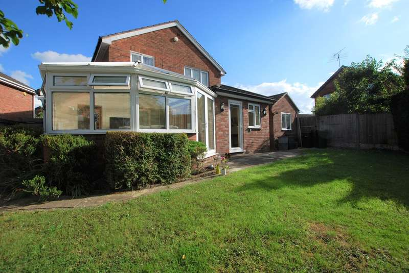 4 Bedrooms Detached House for sale in Sedum Close, Huntington, Chester