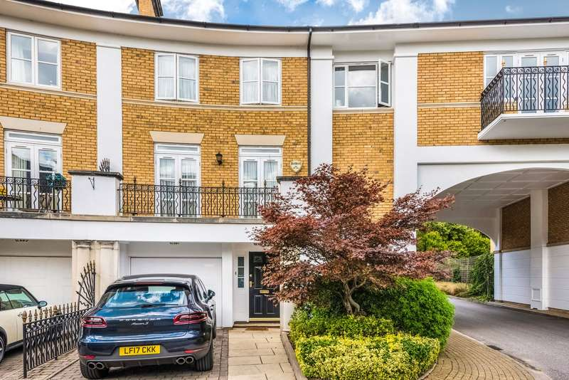 5 Bedrooms Terraced House for sale in Thames Crescent, Chiswick, London, W4
