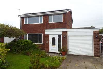 3 Bedrooms Detached House for rent in Harewood Way, Clifton, M27