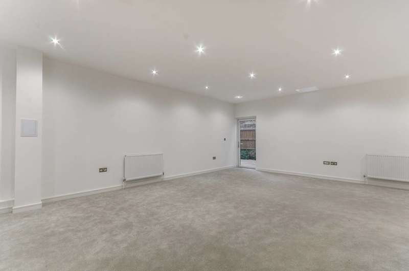 3 Bedrooms House for rent in Cleary Court, Battersea, SW11