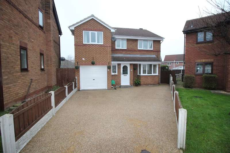 4 Bedrooms Detached House for sale in Eskdale Close, Normanton, WF6