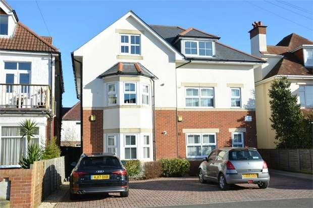 1 Bedroom Flat for sale in Stourcliffe Avenue, Southbourne