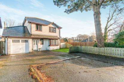 4 Bedrooms Detached House for sale in Camborne, Cornwall