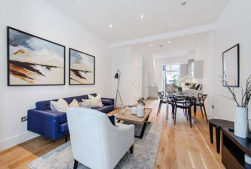 3 Bedrooms Flat for sale in Brownswood Road, London N4