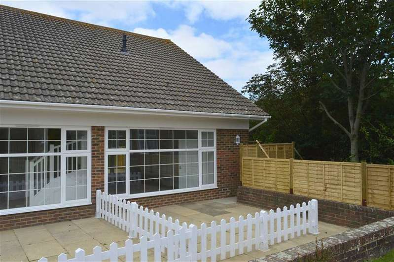 2 Bedrooms Semi Detached Bungalow for sale in Newick Close, Seaford, East Sussex