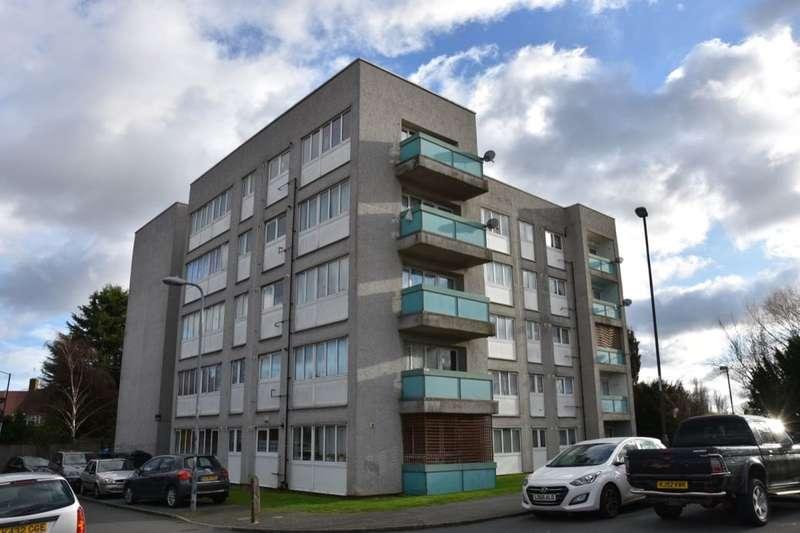 2 Bedrooms Flat for sale in Gavestone Road, London, SE12