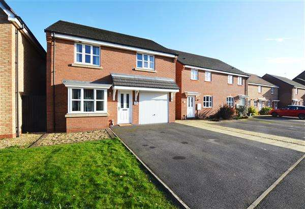 4 Bedrooms Detached House for sale in Great Row View, Wolstanton, Newcastle