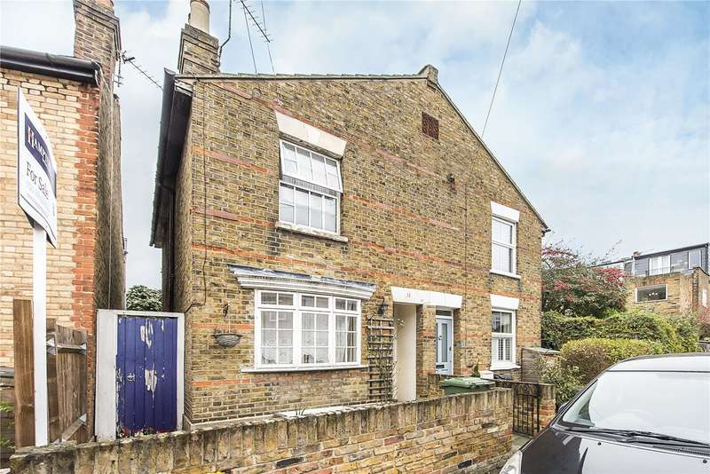 2 Bedrooms Semi Detached House for sale in Brook Road, Twickenham, TW1
