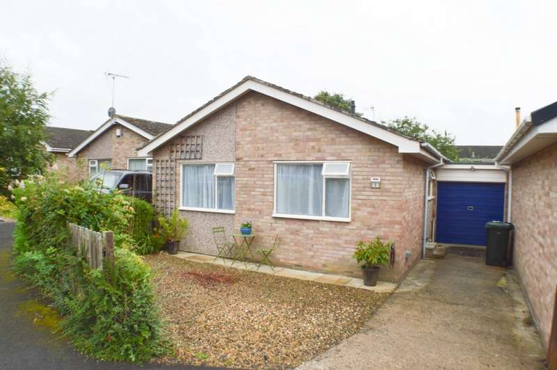 2 Bedrooms Bungalow for sale in Tynedale Close, Wylam, NE41