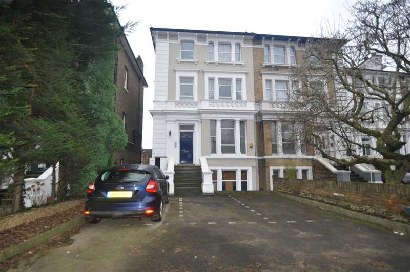 2 Bedrooms Flat for sale in Argyle Road, Ealing, W13 0LW