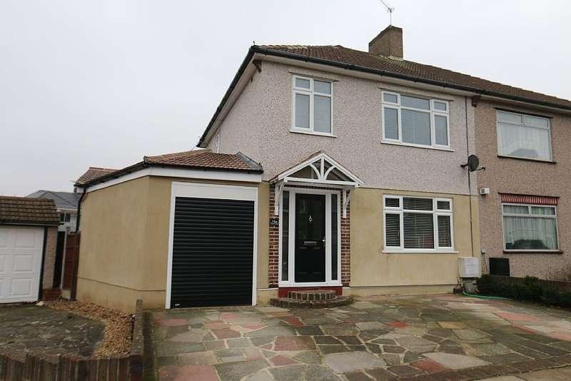 3 Bedrooms Semi Detached House for sale in Stratton Close, Bexleyheath, London, DA7 4AJ