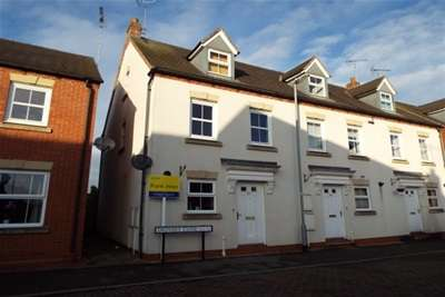 3 Bedrooms Town House for rent in 57 Drovers Close, Uttoxeter