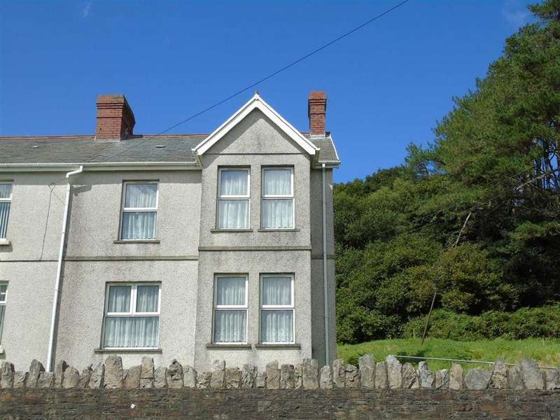 3 Bedrooms Semi Detached House for sale in Gwscwm Road, Burry Port