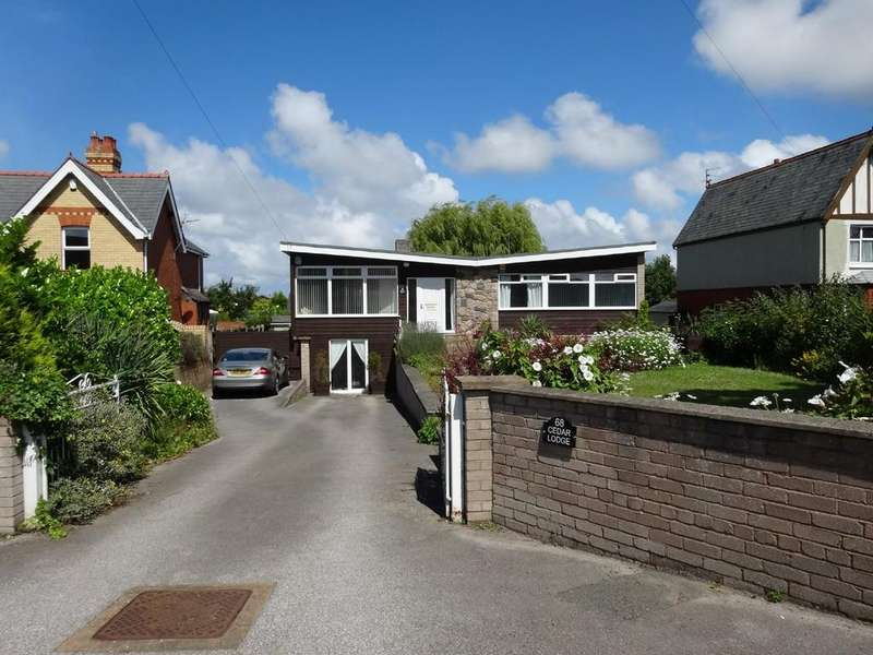 3 Bedrooms Detached Bungalow for sale in Dyserth Road, Rhyl
