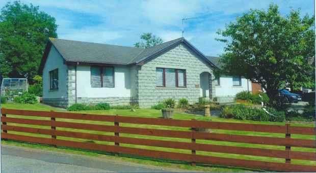 3 Bedrooms Detached Bungalow for sale in Viewbank, Auchnagatt, Aberdeenshire, AB41 8UR