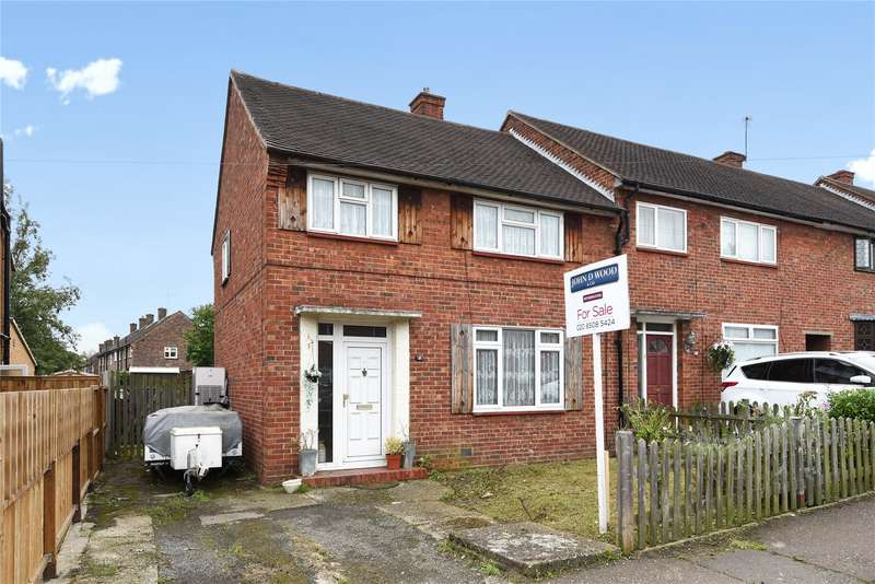 3 Bedrooms End Of Terrace House for sale in Whitehills Road, Loughton, Essex, IG10