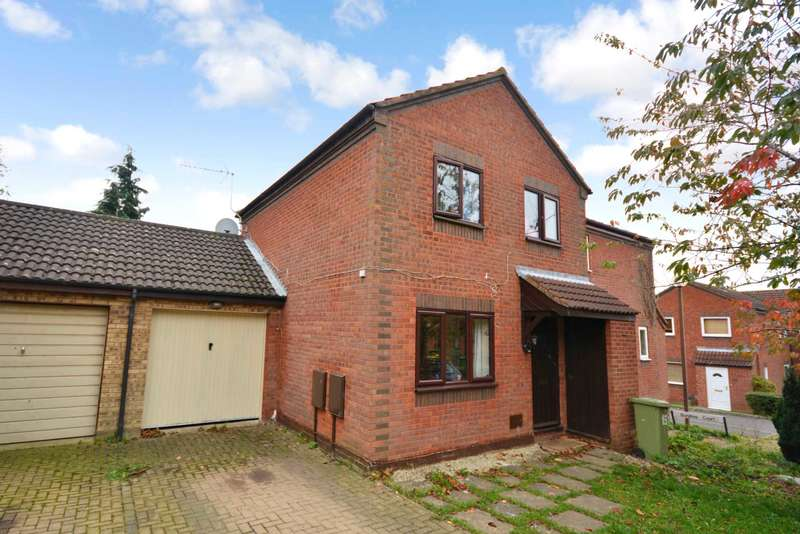 3 Bedrooms Semi Detached House for sale in Great Holm