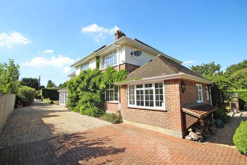 6 Bedrooms Detached House for sale in Barrs Wood Road, New Milton