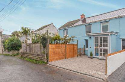 3 Bedrooms Semi Detached House for sale in Praze, Camborne, Cornwall