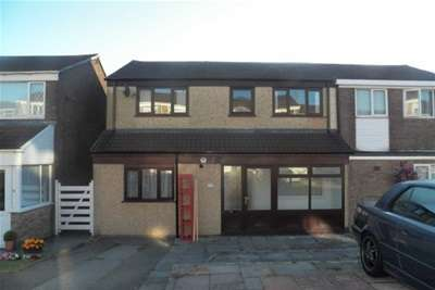 4 Bedrooms House for rent in Brangwyn Close, Morriston