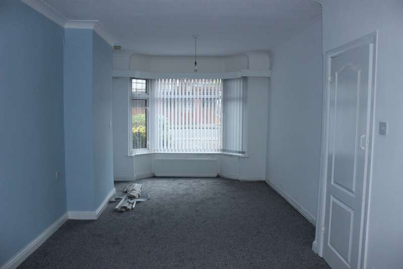 3 Bedrooms Semi Detached House for rent in Turnberry Road Great Barr Birmingham