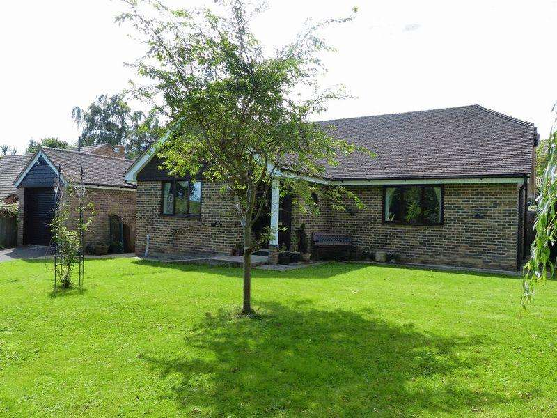 3 Bedrooms Bungalow for sale in Causton Road, Cranbrook