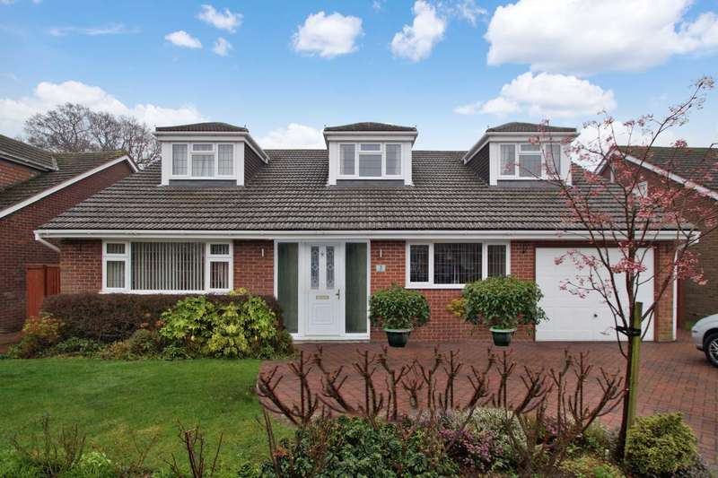 5 Bedrooms Detached House for sale in Woodfield Drive, Leverstock Green, Hemel Hempstead